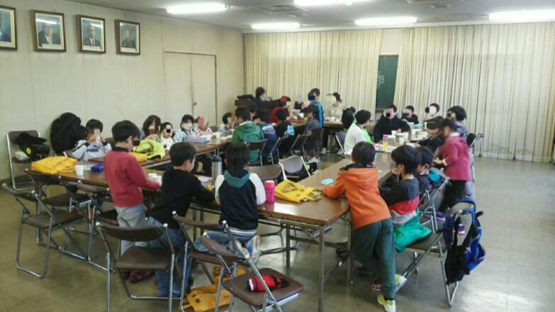 長田南しらす子ども食堂 おかわり行列美味しいカレー