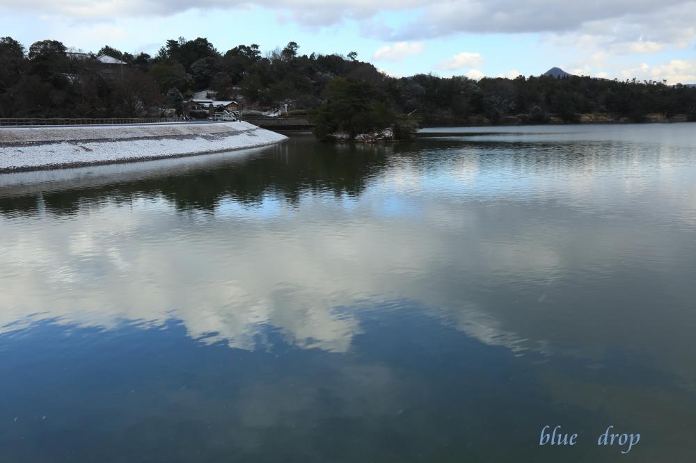 空を映す水面