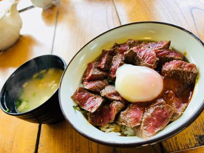 熊本・阿蘇地方のご当地グルメ「あか牛丼」を食べてきました!