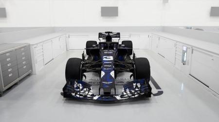 レッドブルRB14@F1新車発表2018