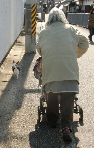 180208-母とコタちゃんと散歩-1