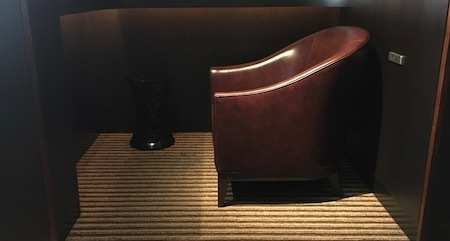 日本航空 羽田空港ダイヤモンド・プレミアラウンジ 個室風のエリア