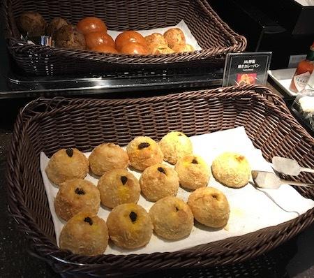 日本航空 羽田空港ダイヤモンド・プレミアラウンジ パン食べ放題