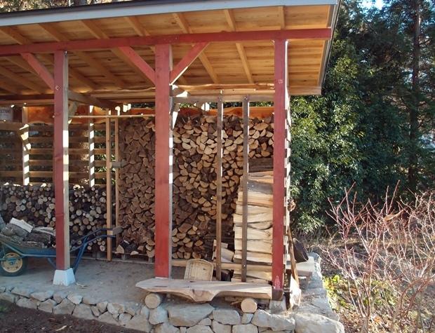 DIYの薪小屋