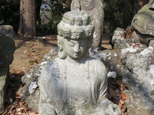 成田山石仏-5