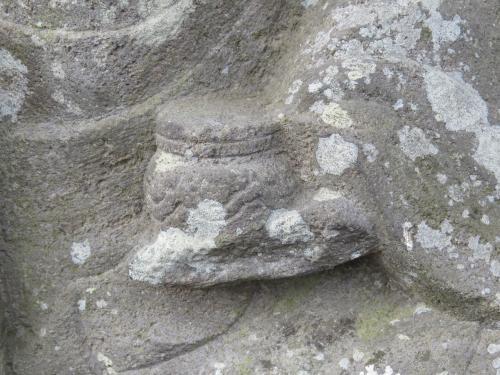 成田山石仏-31