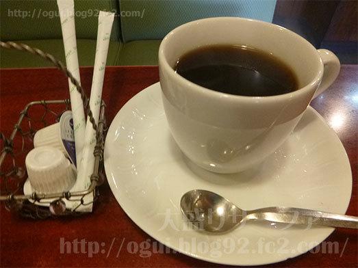 食後のドリンクにホットコーヒー095