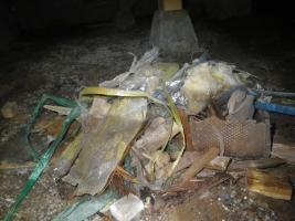 床下のゴミ回収