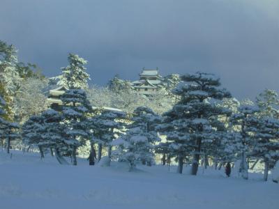 2.5雪の中の松江城