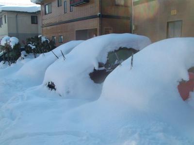 2.9車は雪の中