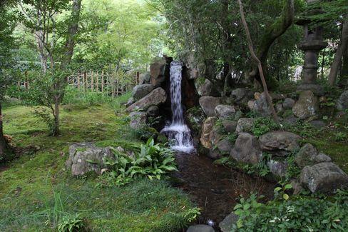 大寧軒・庭園の滝_H27.09.10撮影