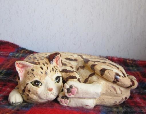 お昼寝とら猫#陶器の猫置物#すず音窯#陶芸作家めいこ