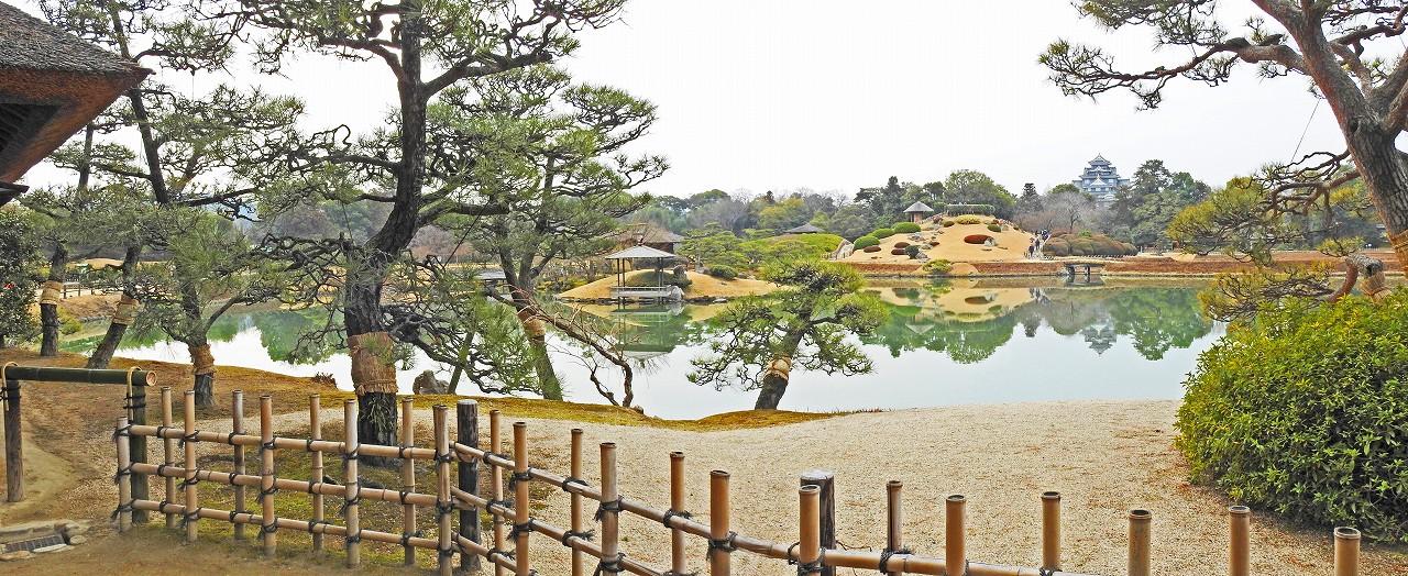 20180215 後楽園今日の観光定番位置から眺めた穏やかな沢の池と園内ワイド風景 (1)
