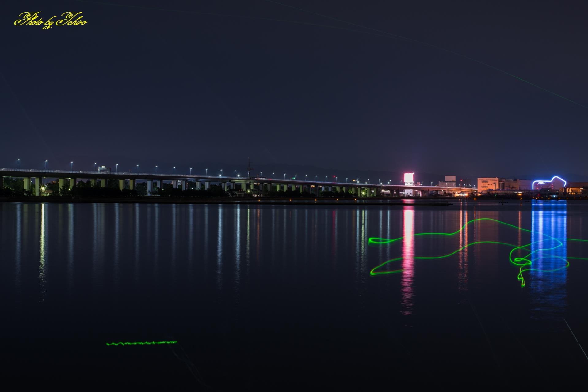 夜の貝塚港