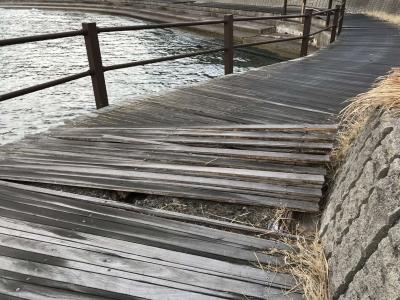 台風で破損したボードウォーク