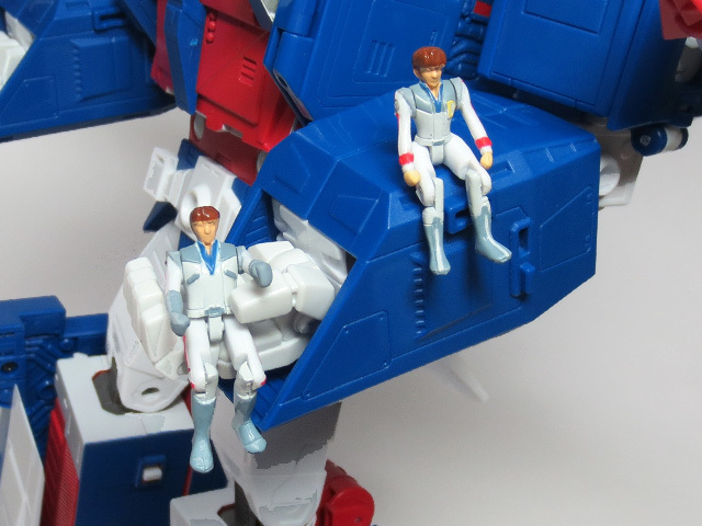 MP22_ULTRA_MAGNUS_a_39.jpg
