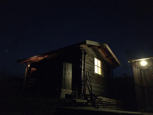 房総フィールド 小屋の夜景