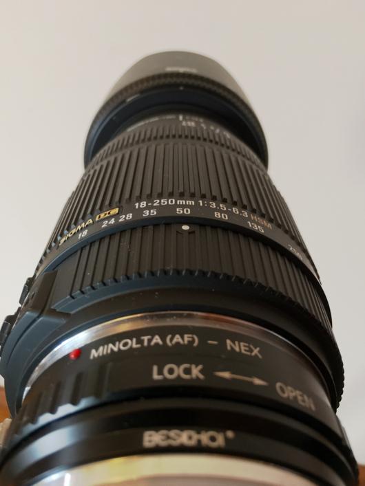 Sigma 18-250 F3.5-6.3 + a mount(Minolta AF) to NEXアダプター