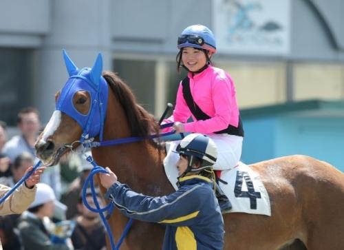 【競馬】岩手競馬女性騎手鈴木麻優引退