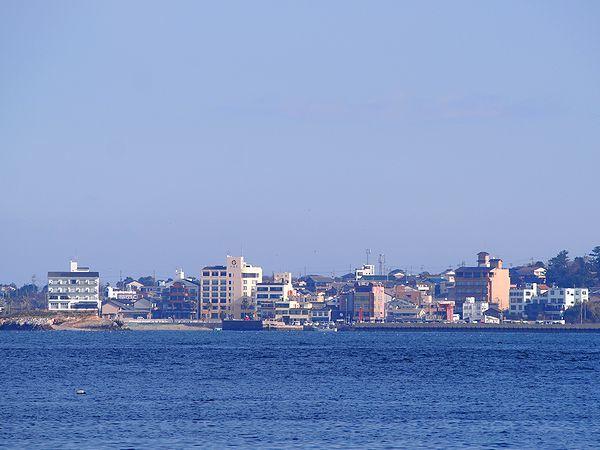 日間賀島を臨む
