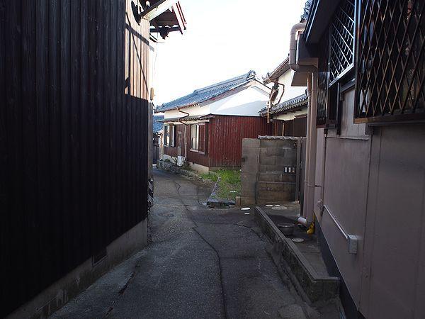 日間賀島の路地