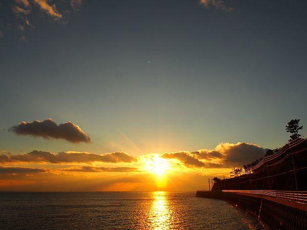 日間賀島の夕日
