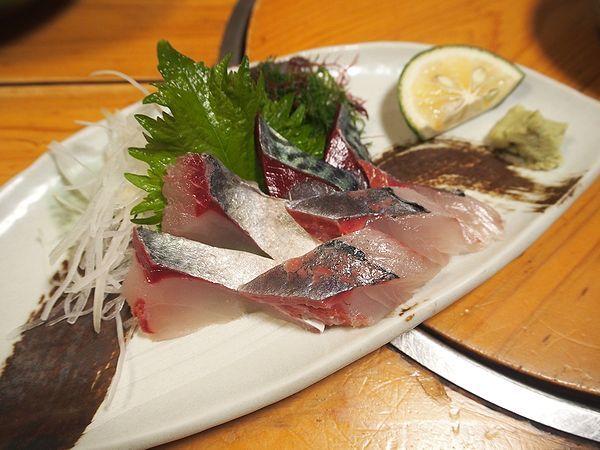 関サバ、関アジの刺身