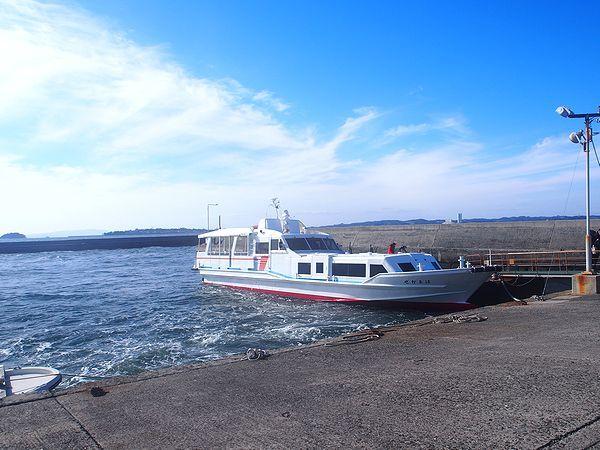 佐久島西港に到着