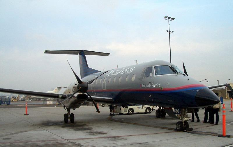 ■ プロペラ機 エンブラエル EMB-120