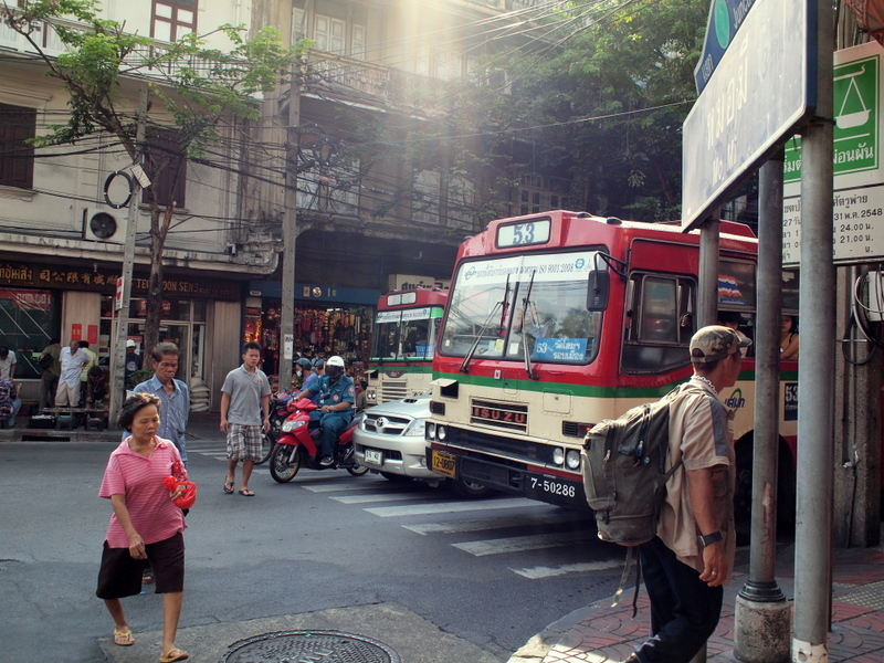 ■ まさいさん、バスに乗る。(バンコクで)