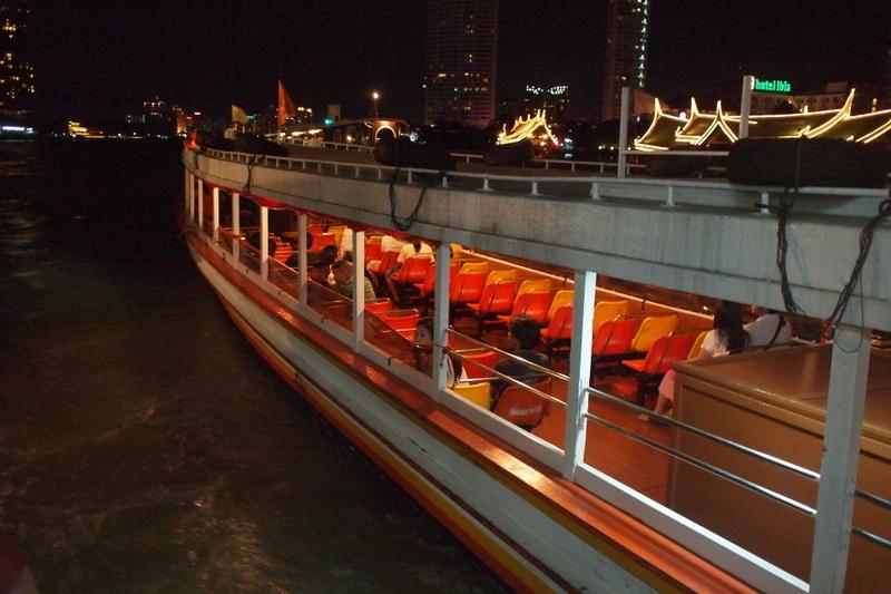 ■ まさいさん、船にのる。(バンコクで)