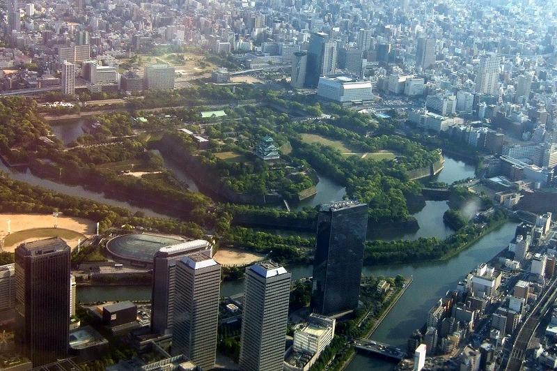 ■ 空からみた大阪城