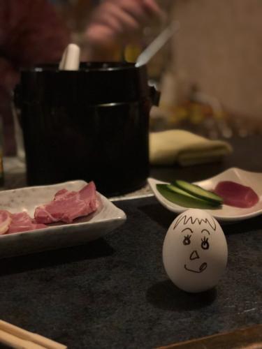 別席にきた人から卵をもらうww