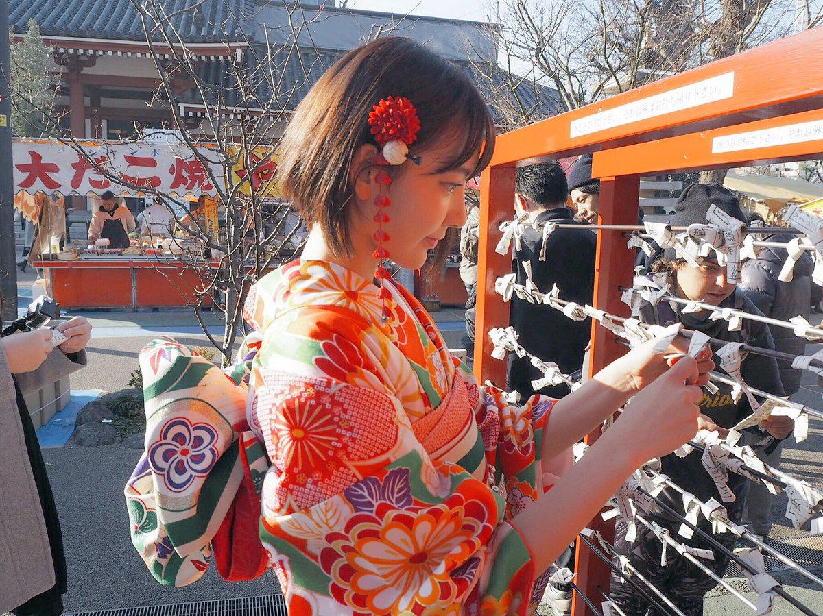 HKT48の宮脇咲良ちゃん『初詣』【公式Twitterより】 2018 晴れ着 1