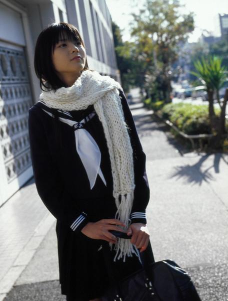 2018冬 セーラー服 白のマフラー 矢島舞美 (1)