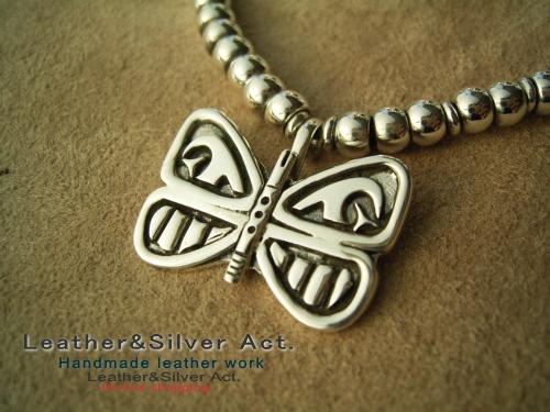 シルバー 蝶