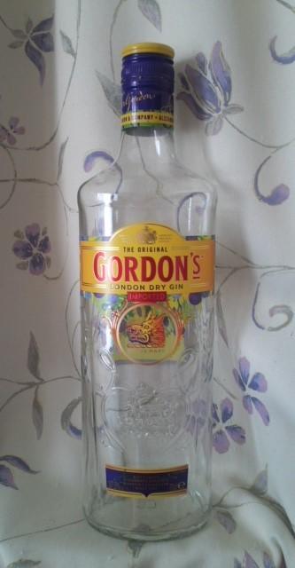GORDON'S LONDON DRY GIN(ゴードン ロンドン・ドライ・ジン)