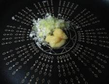 お餅麻婆 調理②