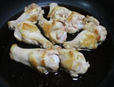 鶏手羽元の甘辛煮 調理④
