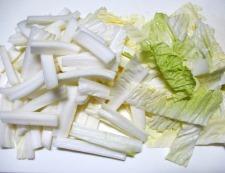 豚バラと白菜の炒め物 【下準備】①