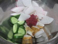 大根ときゅうりの梅かつお和え 調理④