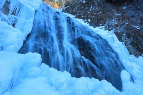 凍てつく唐沢ノ滝