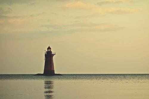 唐子浜赤灯台