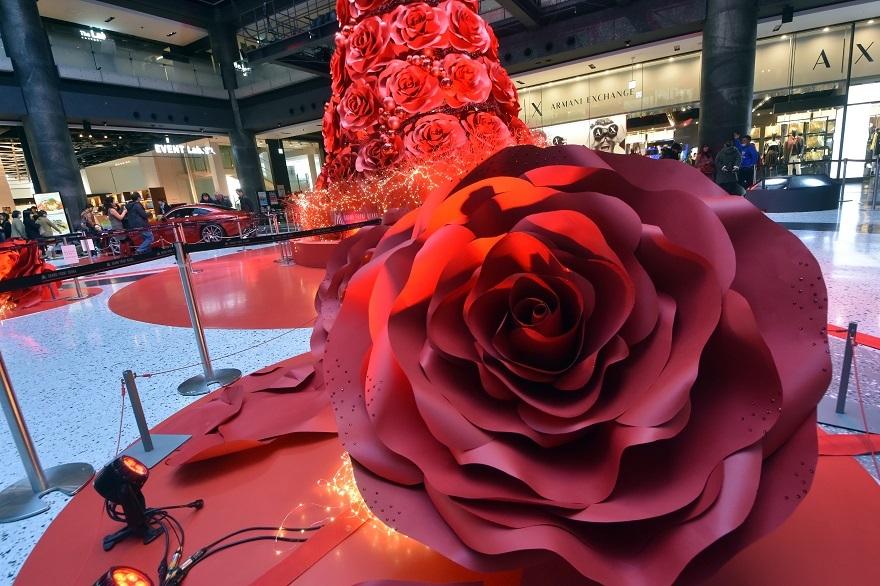 赤いクリスマスツリー (2)