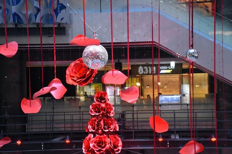 赤いクリスマスツリー (8)