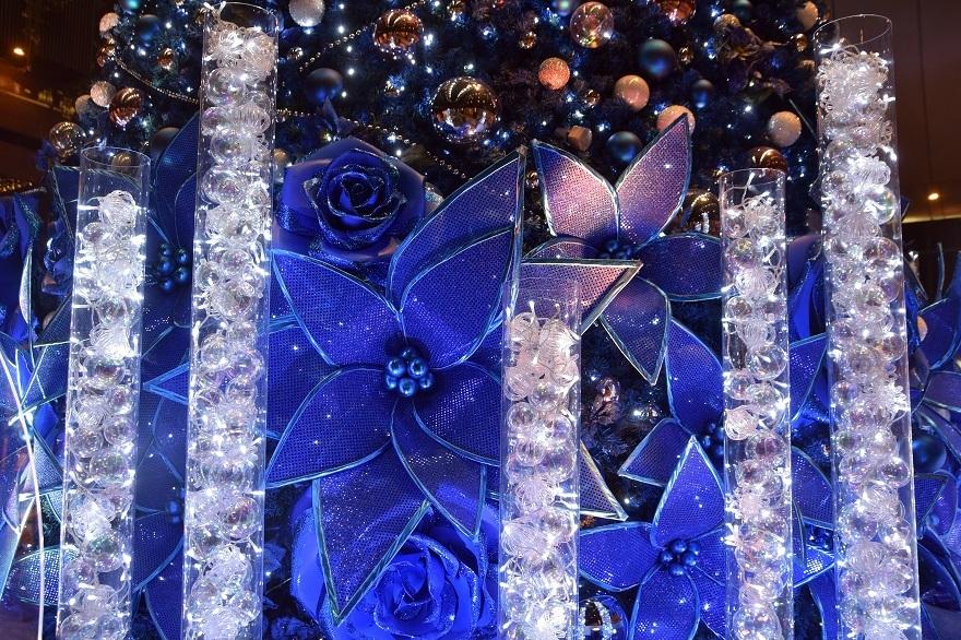 青いクリスマスツリー (2)