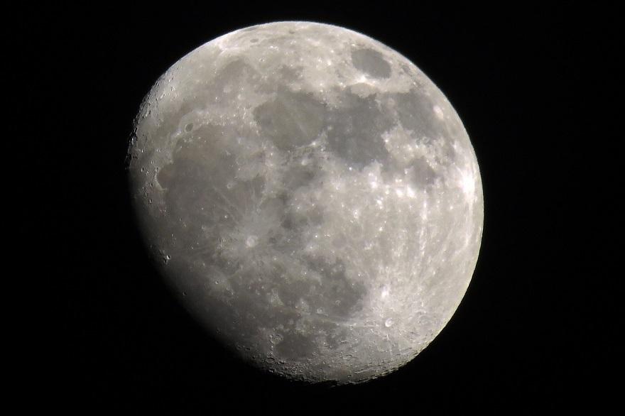 017年12月の月(1)