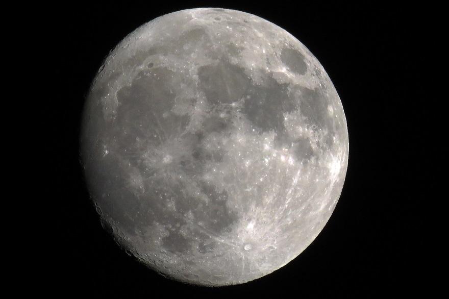 017年12月の月(2)