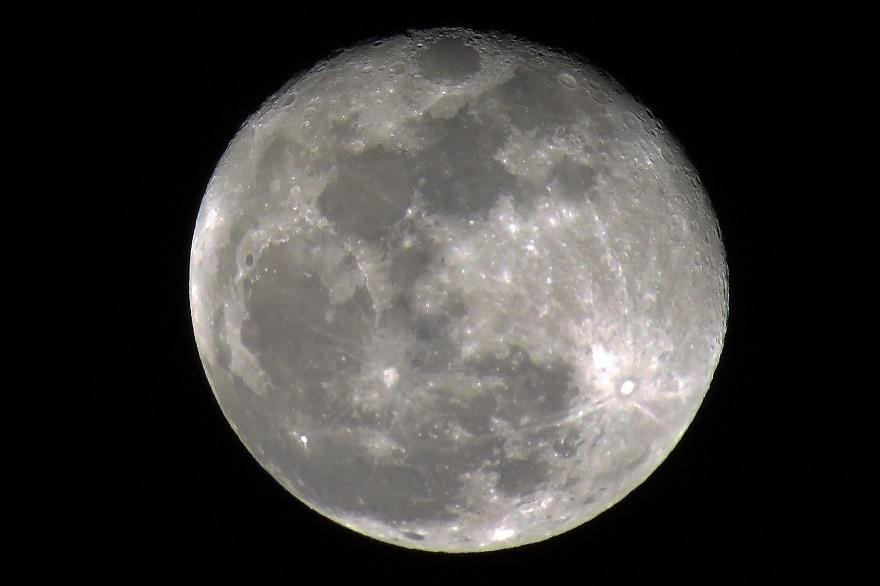 018年1月の月(3)