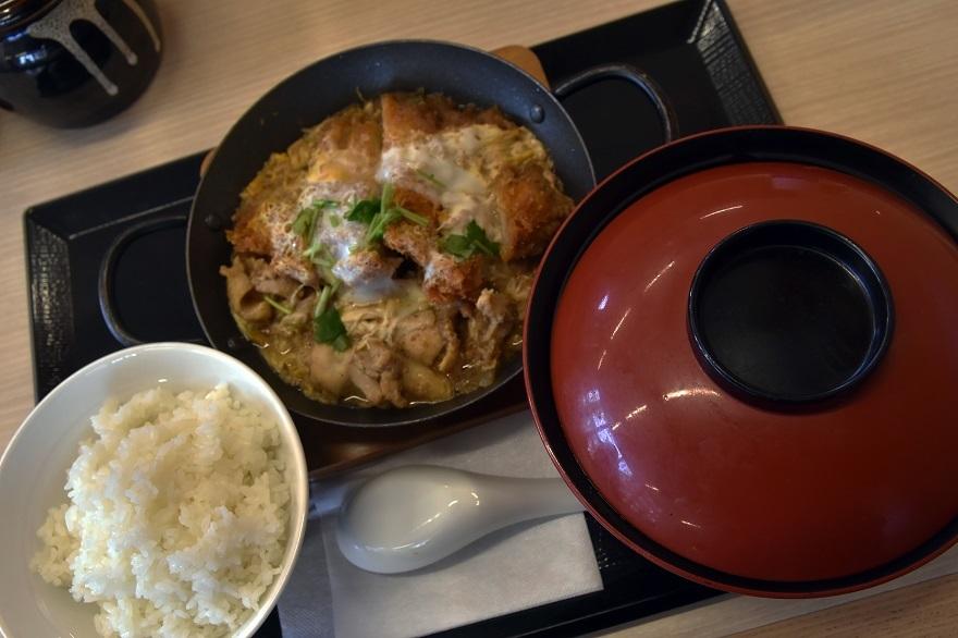 鶏煮込みとチキンカツ (0)